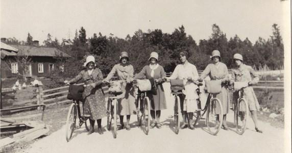 Syjunta på cykel utflykt.jpg