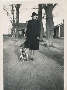 Birgit vid Kårkulla.jpg